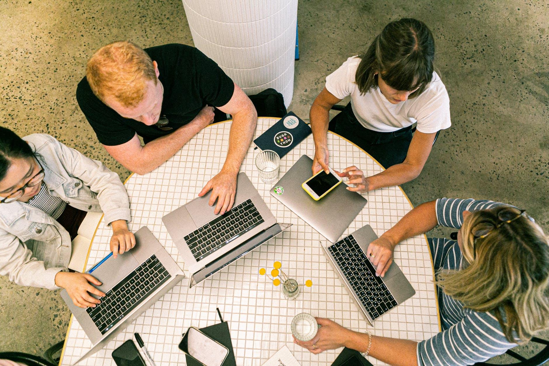 Managing remote teams – expert interviews
